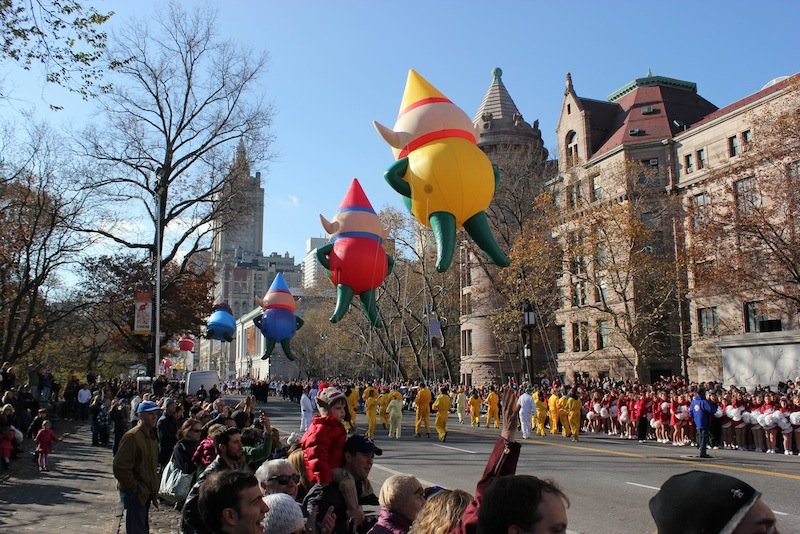 thanksgiving-parade-xmas-balloons2